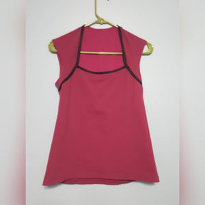 Lululemon Women's Athletic Top Size 2 with Bra